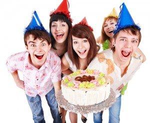 Hannovers top Kindergeburtstag mit Kuchen Partyhüten und ganz vielen Freunden
