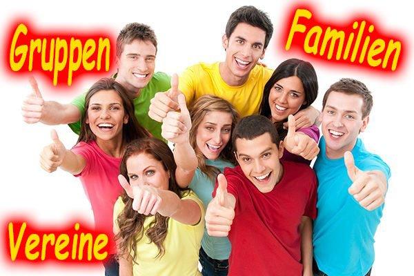 Gruppen und Familien spielen Lasertag